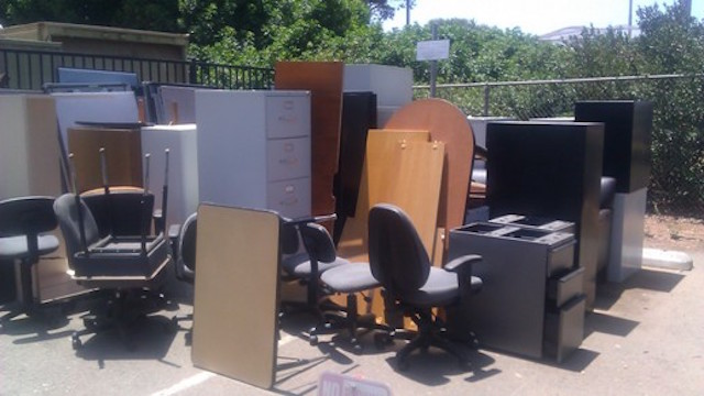 office furniture removal san diego - fred's junk removal